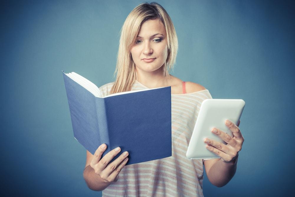 ¡Larga vida a los libros! (ya sean en papel o electrónicos)