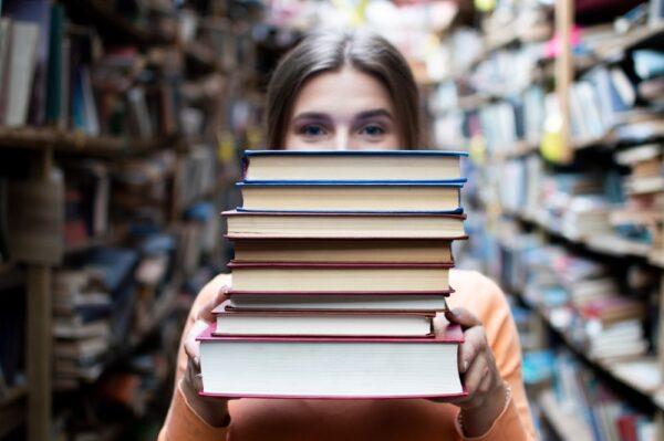 Librerías y bibliotecas forman parte de una gran familia que busca fomentar la lectura entre las personas
