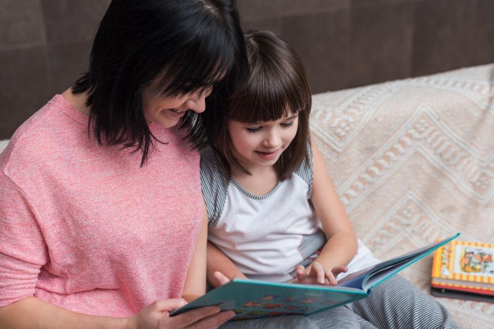 El hábito lector y la salud global de los menores mejora con la lectura en voz alta