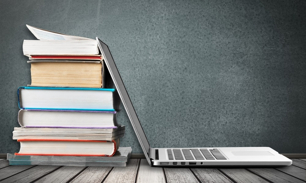 Los internautas leen m s libros que las personas que no lo son for Foto di un libro