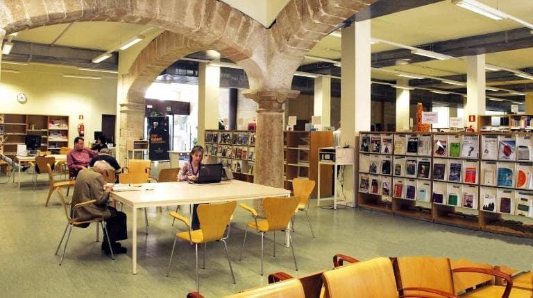 Biblioteca Pública del Estado en Palma de Mallorca - Can Sales