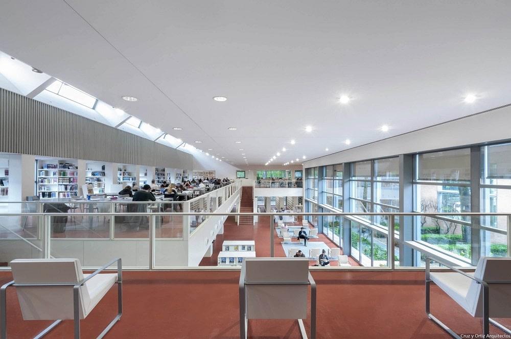 Biblioteca Pública del Estado en Sevilla - Infanta Elena