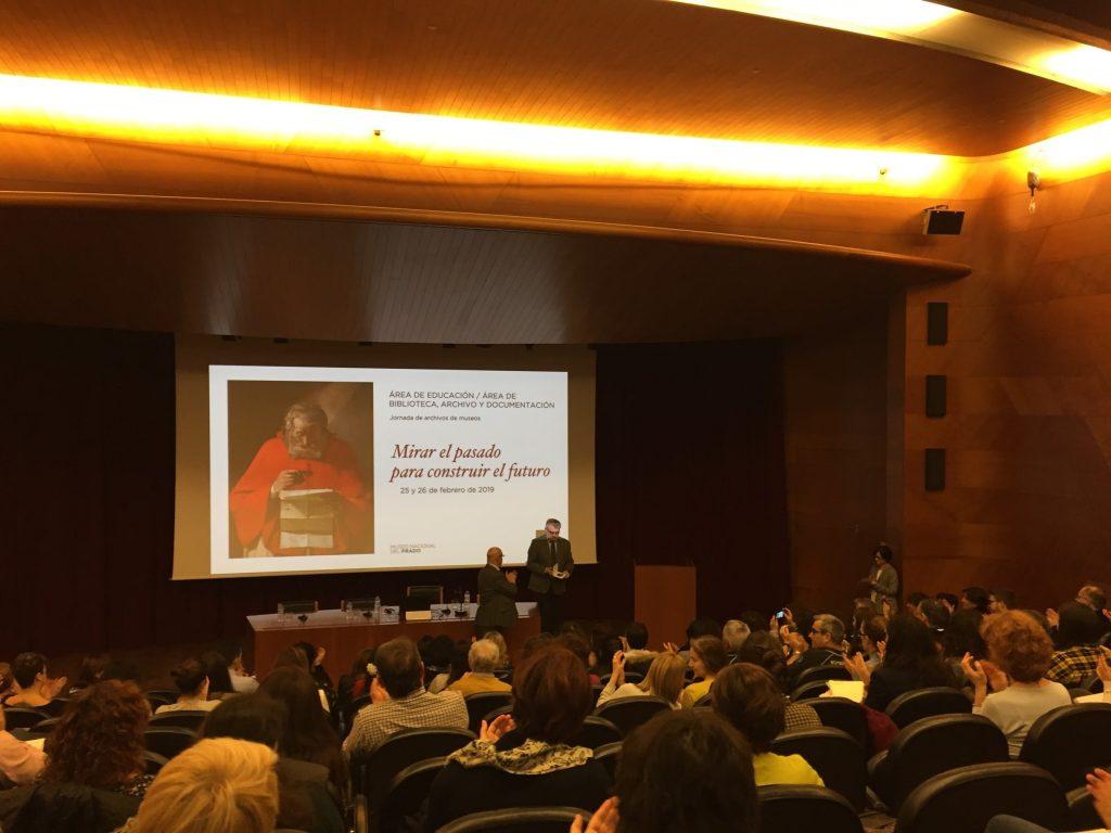 Entrega de la medalla de ANABAD al Museo del Prado por su labor archivística