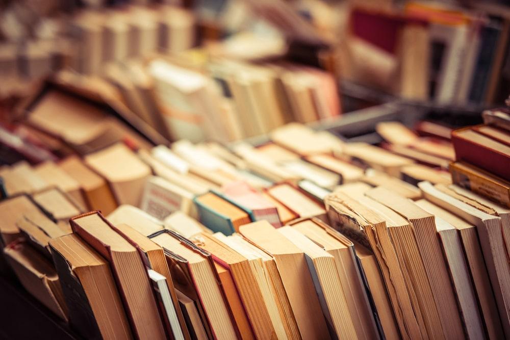 Expurgo de libros en las bibliotecas públicas