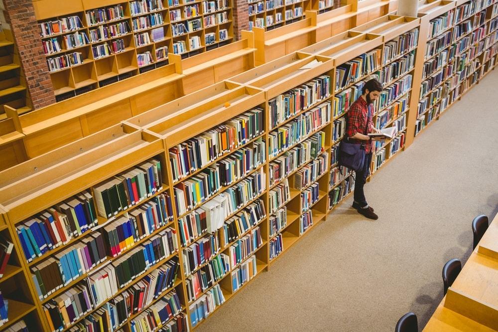 La promoción de la lectura y la alfabetización son esenciales para la IFLA