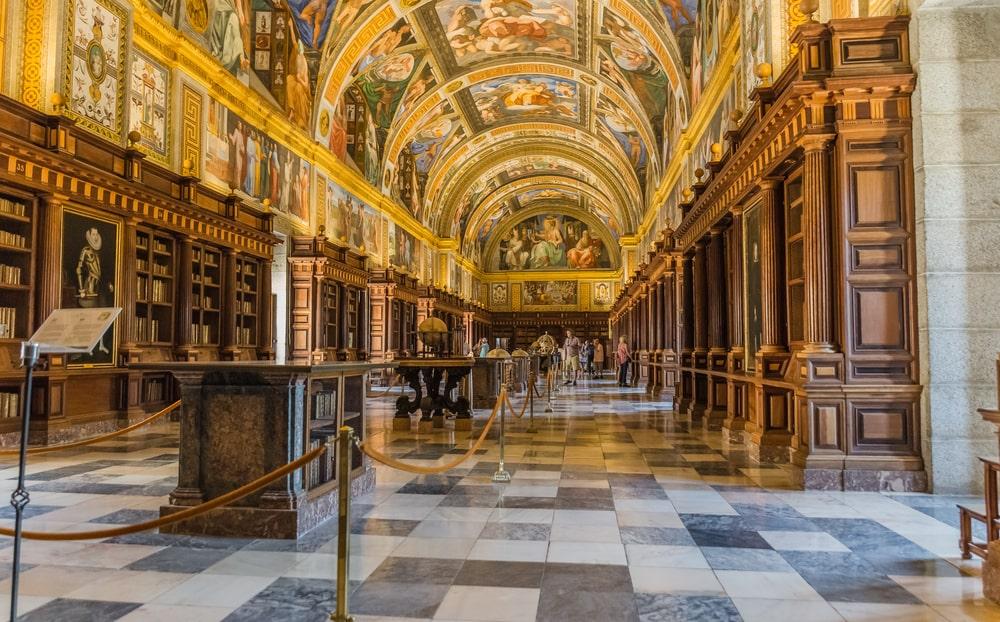 Las bibliotecas son centros de interés por la información, cultura y conocimiento que albergan en su interior