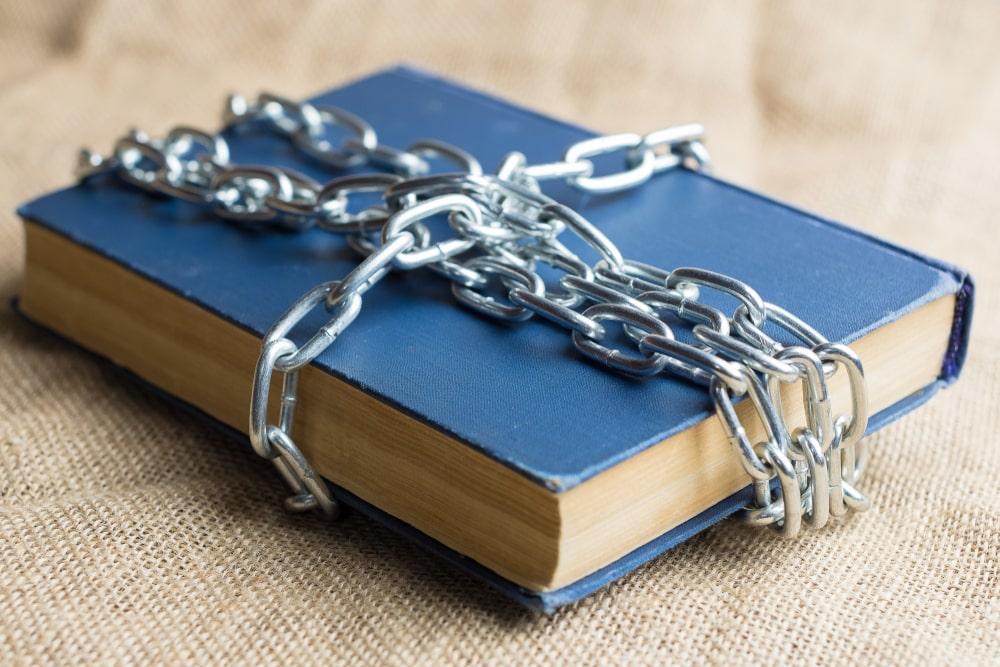 Los 20 libros influyentes en la actualidad que fueron prohibidos hace tiempo