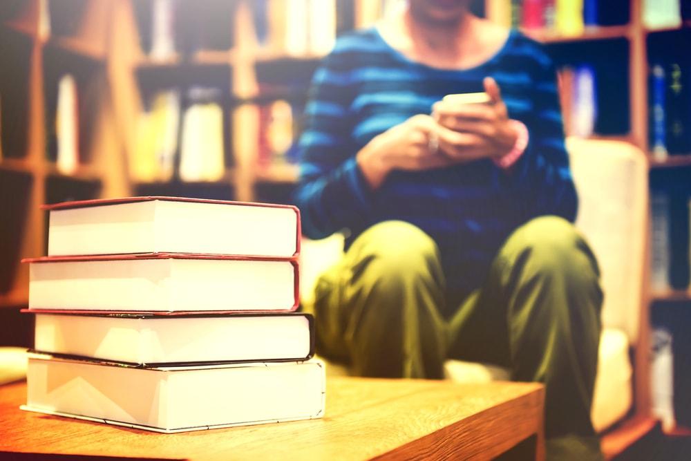 Los usuarios de la Red de Bibliotecas Públicas CLM pueden utilizar ya su carné a través del móvil