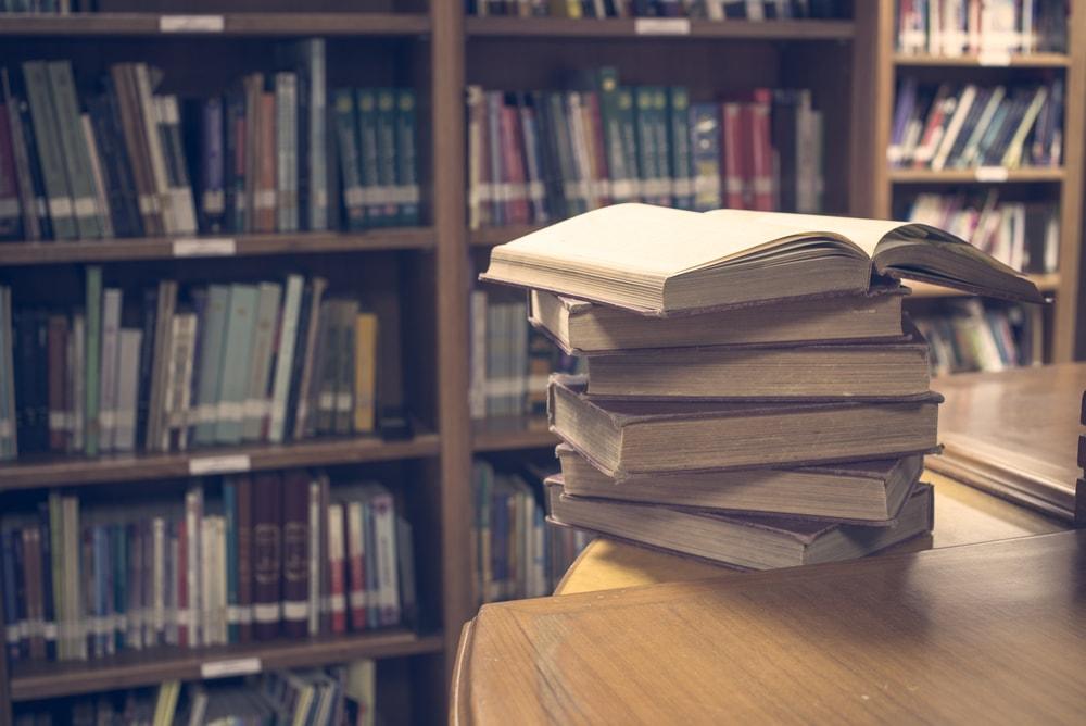 No hay biblioteca pequeña siempre y cuando sea de utilidad para su comunidad de usuarios