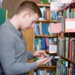 Andalucía apuesta por la versión móvil del catálogo en sus bibliotecas