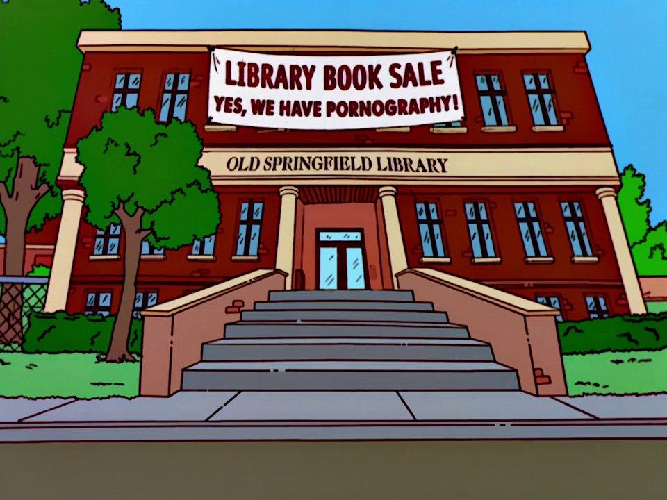 Venta de libros de la biblioteca como reclamo