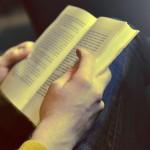El 94,4% de las personas que leen libros prefieren hacerlo en papel